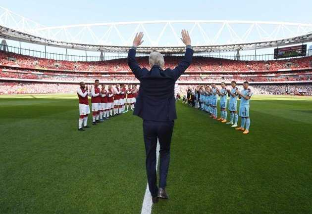 Đè bẹp Burnley, Arsenal có trận tri ân hoàn hảo với HLV Wenger