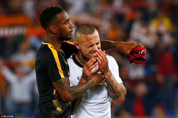 Hàng thủ mắc lỗi, Roma cay đắng nhìn Liverpool vào chung kết