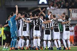 Juve vô địch Serie A lần thứ 7 liên tiếp, cuộc đua top 4 giữa Inter và Lazio gay cấn