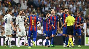 Luis Suarez tỏa sáng trong trận Siêu Kinh Điển đưa Barca vào chung kết Cúp Nhà Vua