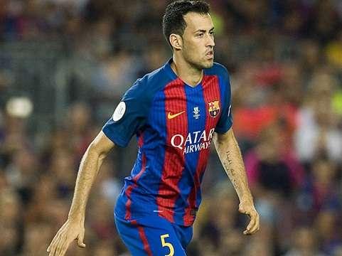 Busquets đang là vấn đề của Barca