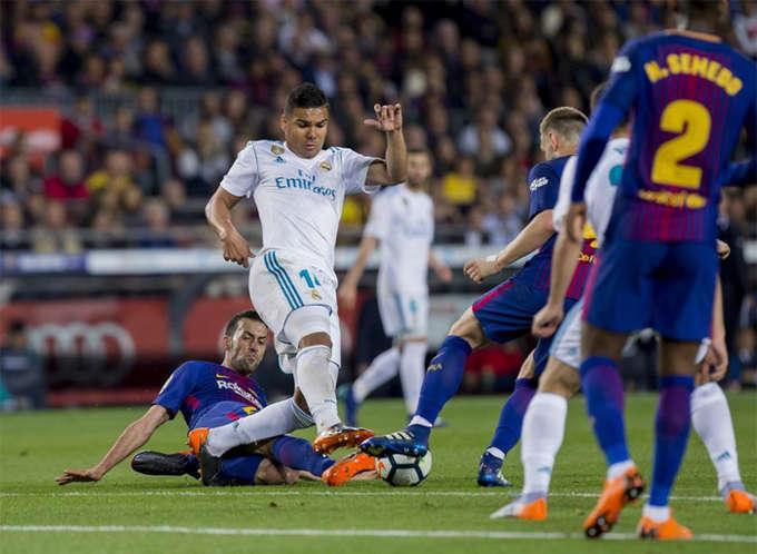 Casemiro lấy lại phong độ tốt nhất: Tiền vệ người Brazil có một màn trình diễn chất lượng trong trận đấu trên sân Nou Camp. Anh thường xuyên can thiệp hiệu quả khi Barca có bóng, đồng thời giành lại quyền kiểm soát và phát động tấn công. Đây là điều mà Real đánh mất khi đấu với Bayern