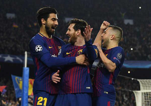 """Barca """"đại phẫu"""" đội hình: 8 cầu thủ ra đường"""