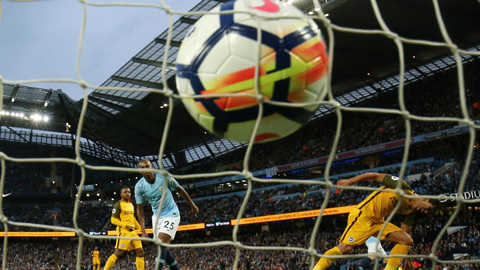 Đánh bại Brighton, Man City là nhà vô địch xuất sắc nhất lịch sử