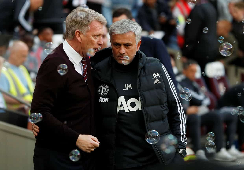 Mourinho tung hỏa mù với Chelsea, và gây áp lực lên BLĐ MU
