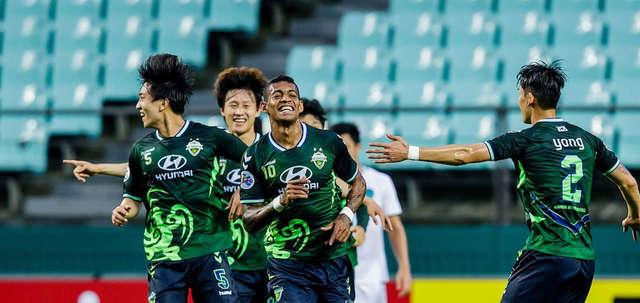 Jeonbuk Huyndai (Hàn Quốc) hạ Buriram United để vào tứ kết