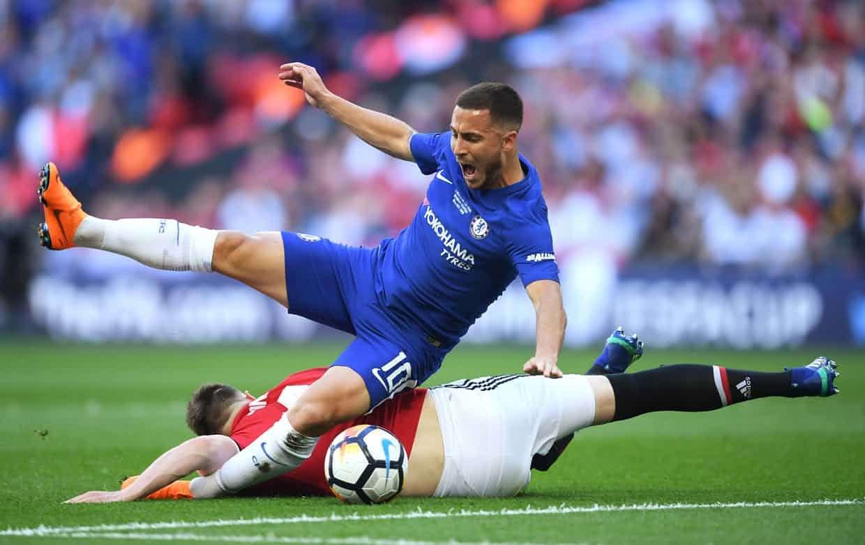 Chelsea, với ngòi nổ Hazard, có khởi đầu tốt hơn