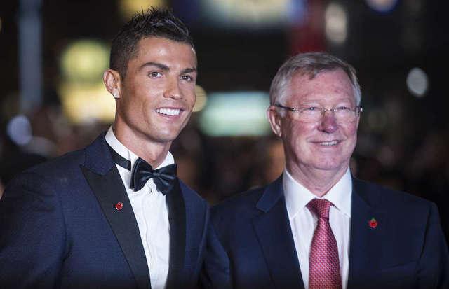 C.Ronaldo không ăn mừng bàn thắng vào lưới Barcelona vì... Sir Alex Ferguson