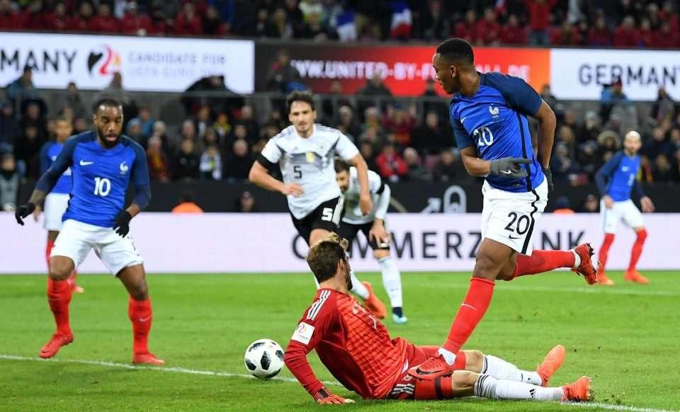 Cả Lacazette và Martial đều không có tên trong danh sách 23 tuyển thủ Pháp dự VCK World Cup 2018