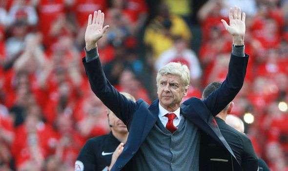 Arsenal muốn Wenger ra đi vui vẻ