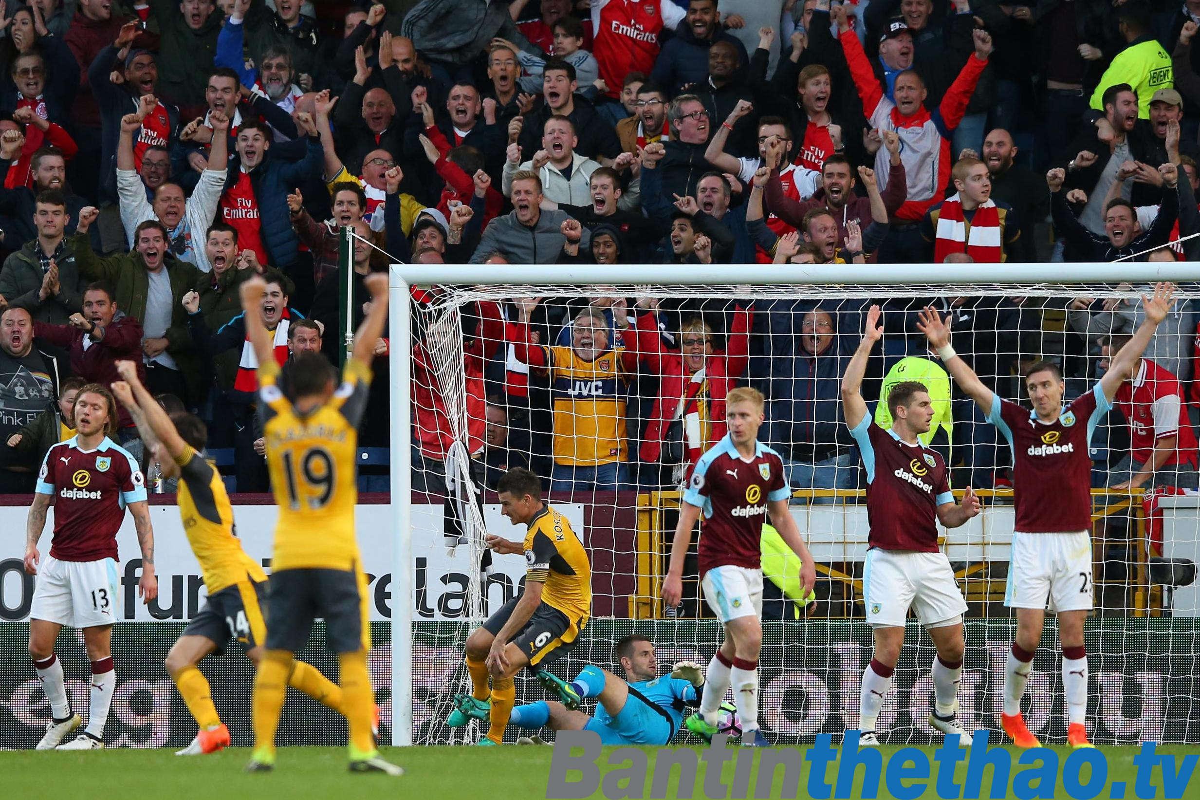 Arsenal vs Burnley tối nay 6/5/2018 Ngoại Hạng Anh
