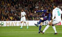 Messi tiến gần cú đúp danh hiệu Vua phá lưới La Liga và chiếc Giày Vàng châu Âu