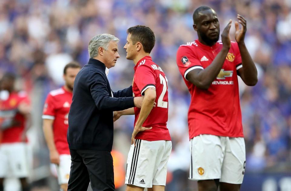 Mourinhochỉ trích Chelsea chơi phòng ngự