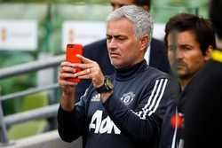 Mourinho phải khóa Instagram vì nhận hàng loạt những bình luận phỉ báng cá nhân và gia đình
