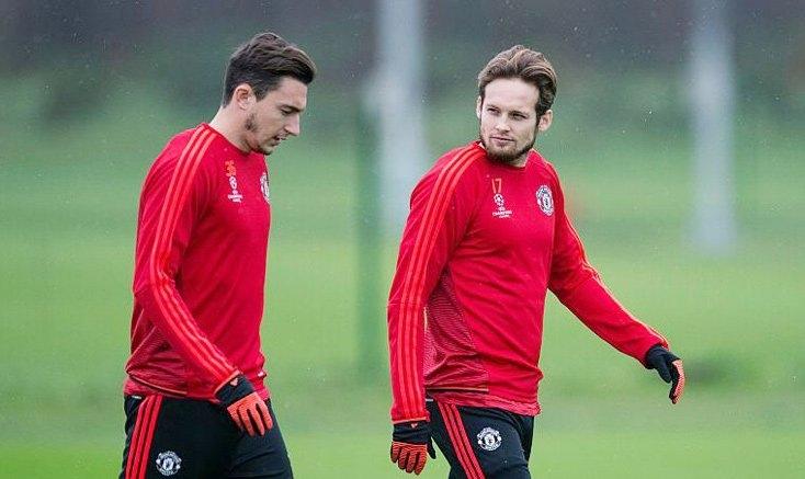 Darmian và Blind sẽ bị bật bãi khỏi Old Trafford