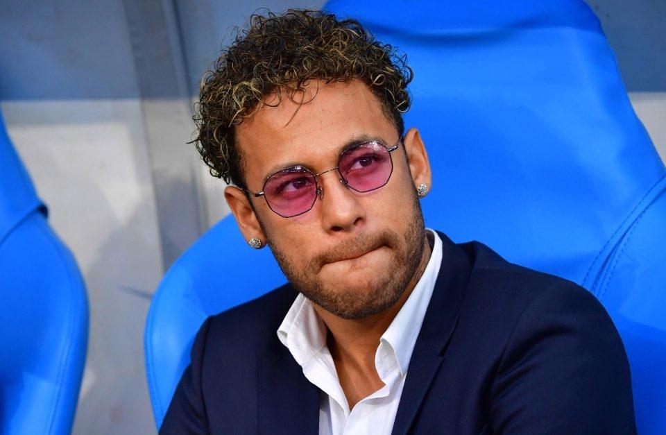 Neymar tính chuồn khỏi PSG