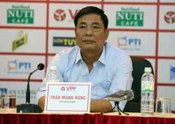 Ông Trần Mạnh Hùng quyết thay bầu Đức ở VFF