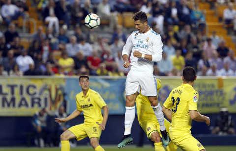Ronaldo và Bale ghi bàn, Real Madrid vẫn đánh rơi chiến thắng trước Villarreal