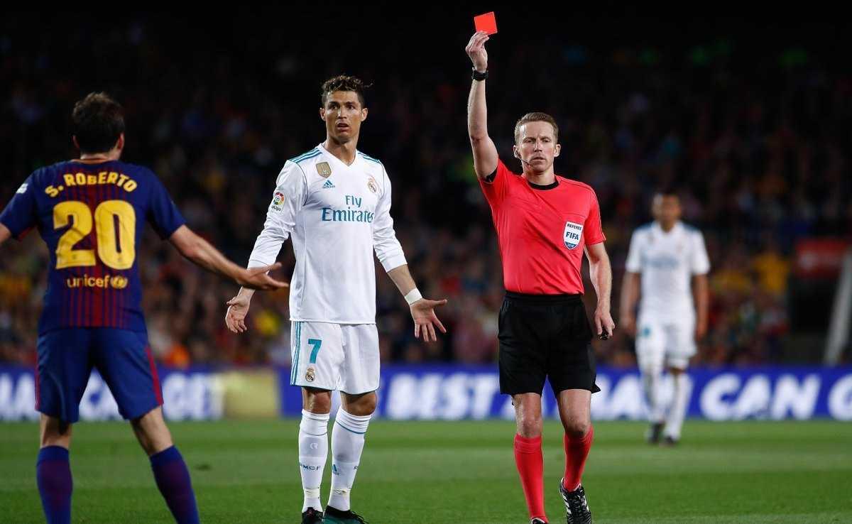 Ronaldo gặp vận đen trong trận Siêu Kinh Điển