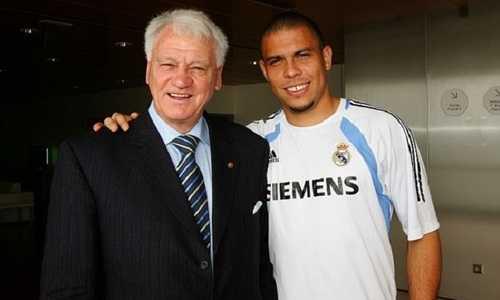 """Mourinho lại một lần nữa so sánh Ronaldo với """"Ronaldo béo"""""""