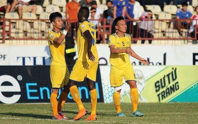 SLNA vào bán kết với chiến thắng chung cuộc 5-1 trước SHB Đà Nẵng