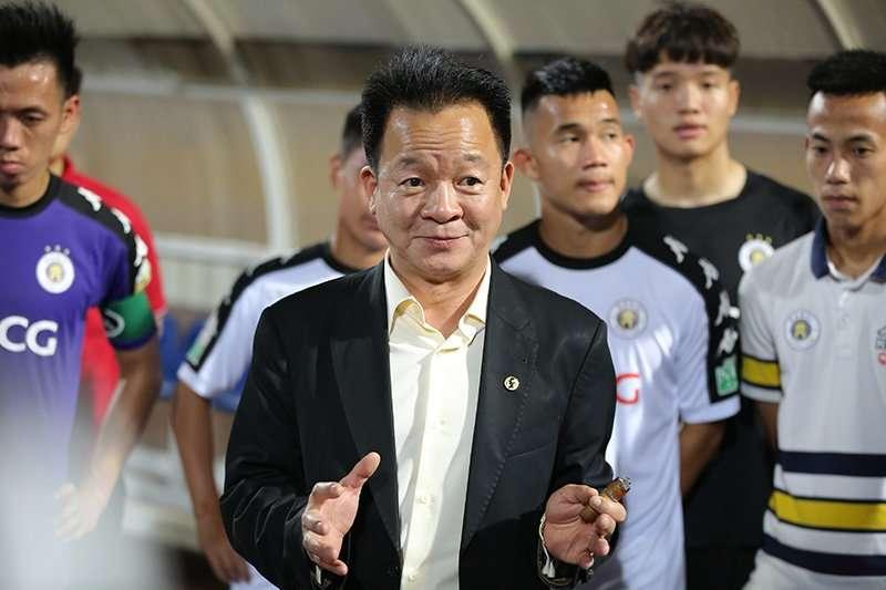 Bầu Hiển thưởng nóng cho Hà Nội FC sau trận đấu