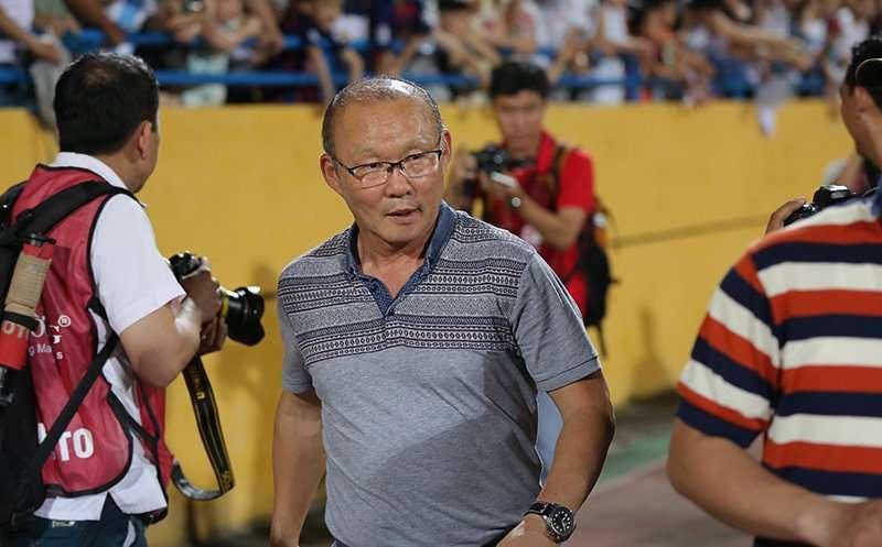 HLV Park Hang Seo sẽ trao cơ hội cho Văn Toàn ở U23 và đội tuyển Việt Nam?