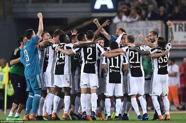 Juventus chính thức vô địch Serie A