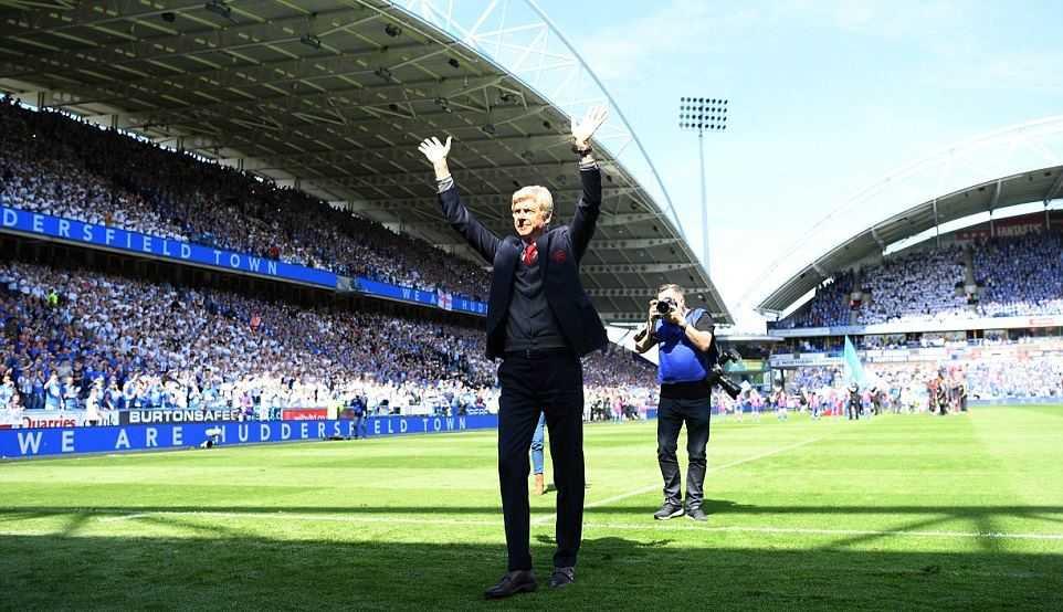 Arsenal giành chiến thắng tối thiểu trong ngày chia tay HLV Wenger