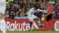 Nhìn lại trận Siêu Kinh Điển giữa Barca vs Real: Quá nhiều tình huống gây tranh cãi và bạo lực