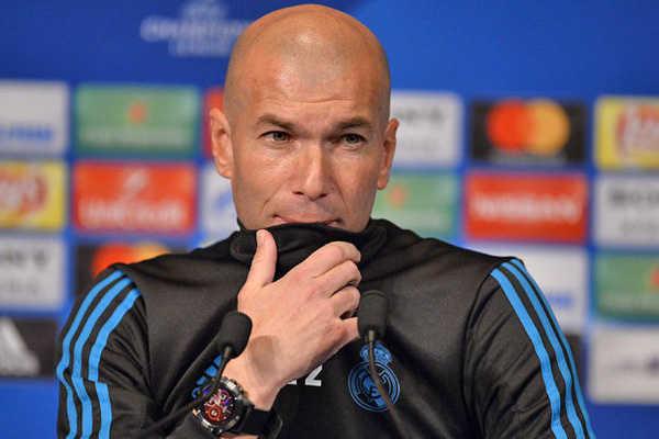 HLV Zidane không muốn so sánh Ronaldo với Salah