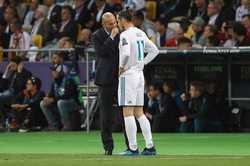 """Bị Zidane ngó lơ, Bale """"đào ngũ"""" sang MU"""