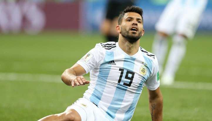 Aguero xả nỗi bực lên đầu Sampaoli sau khi Argentina thua trận