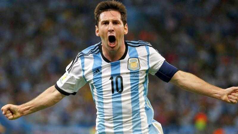 Messi không cần phải chứng minh bất cứ điều gì với Argentina. Balotelli sẽ mang băng thủ quân Italy?