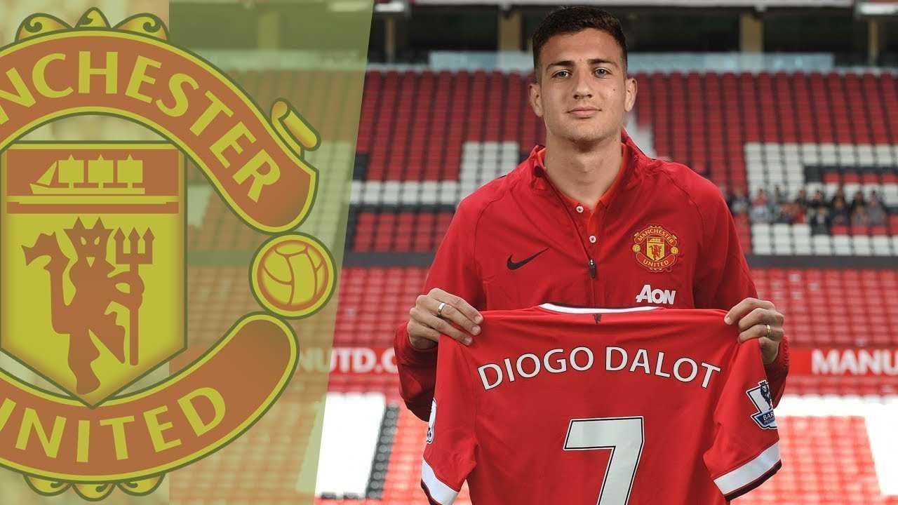 Man United mua xong Dalot. Arsenal hỏi mua NZonzi