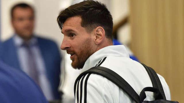 """Messi cho rằng đã bị Real Madrid """"đâm lén"""""""