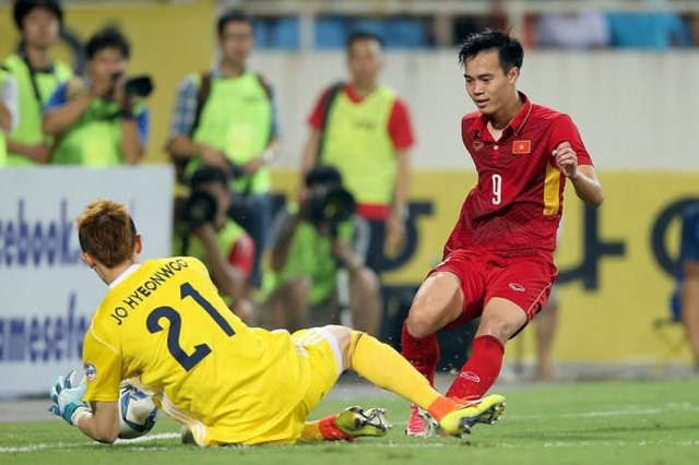 Văn Toàn từng đánh bại thủ môn Hàn Quốc, người đã chơi hay ở trận đấu với Đức đêm qua