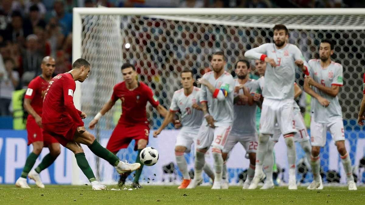 Ronaldo ghi hat-trick đầu tiên ở World Cup 2018
