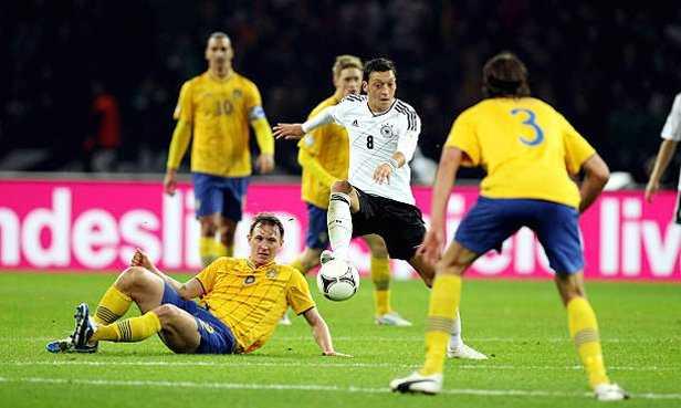 Đức cần phải xốc lại tinh thần trong trận quyết đấu với Thụy Điển