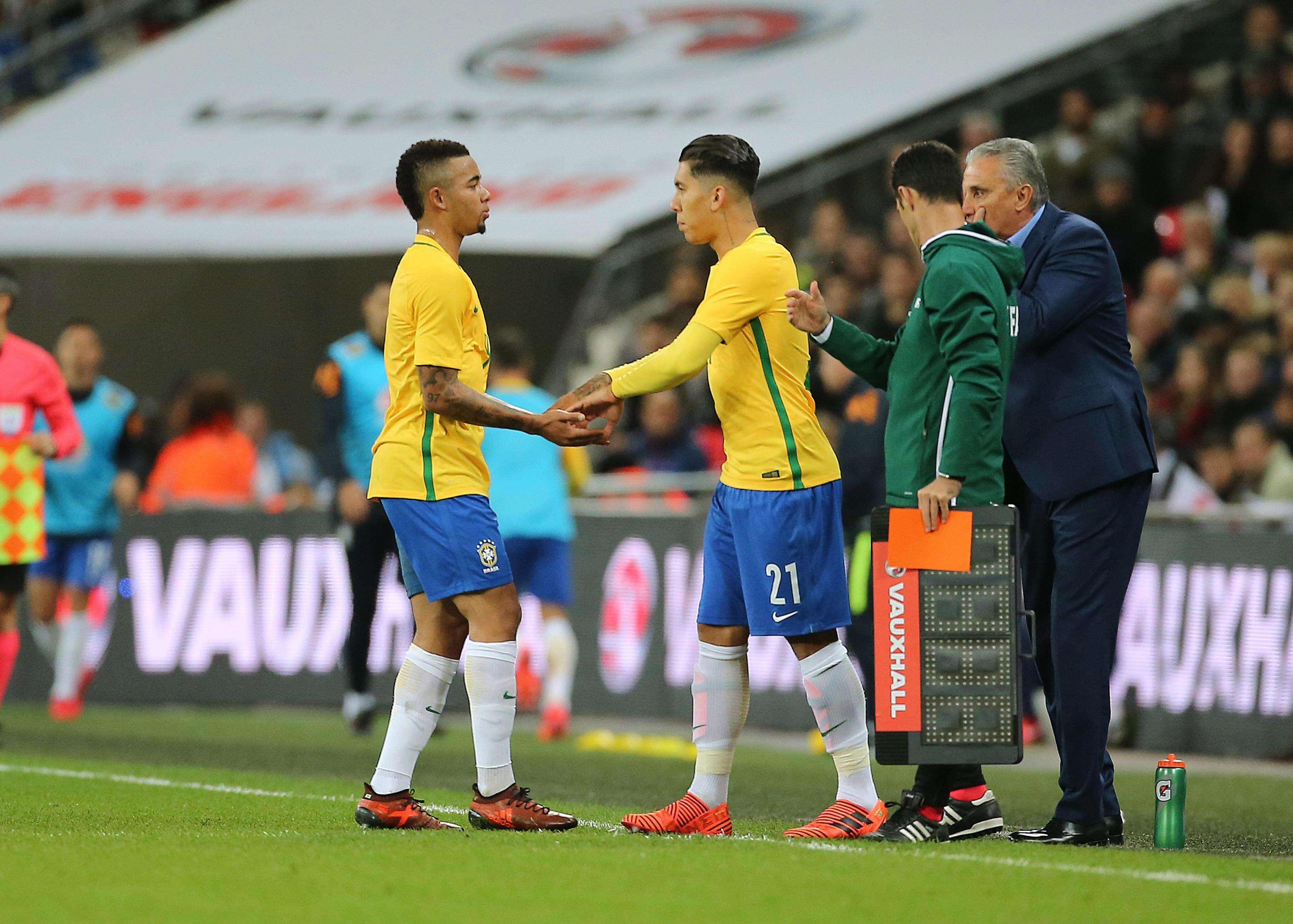 Tite sẽ phải đau đầu để chọn ra giữa Firmino và Jesus để làm người đá cặp với Neymar trên hàng công