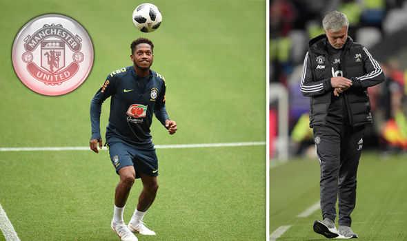 Man United vẫn chưa chính thức có Fred. Barca muốn Neymar trở về