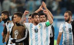 Sampaoli hy vọng các đồng đội sẽ hỗ trợ Messi toả sáng