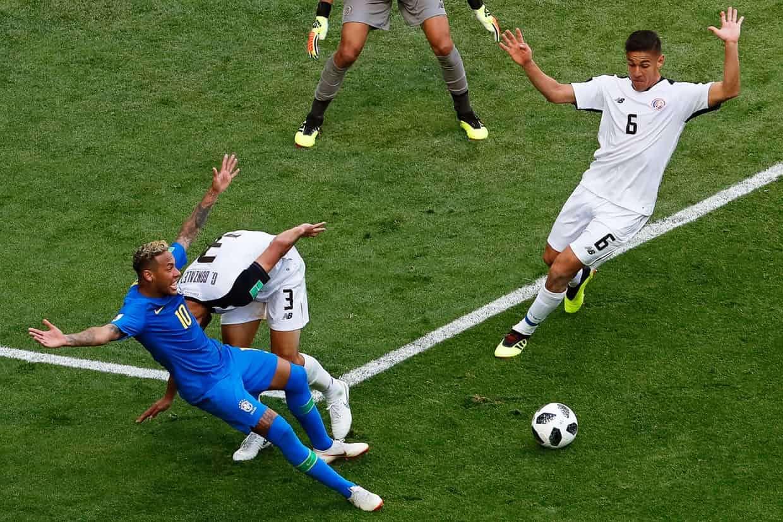 Kịch sĩ Neymar đã bị công nghệ VAR vạch trần