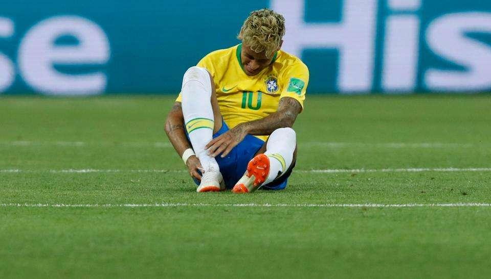 Neymar dính chấn thương trận gặp Thụy Sỹ