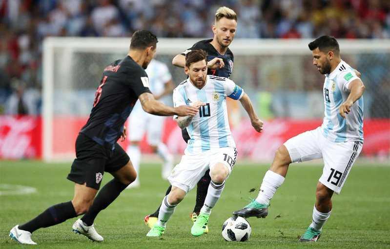 Croatia đã ngăn chặn Messi như thế nào?