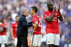 Herrera muốn đối thoại với Mourinho. Arsenal sẽ mua 3 tân binh