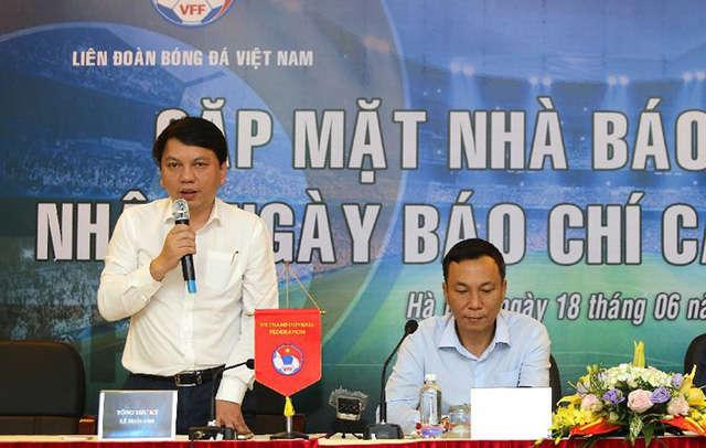 Tổng thư ký VFF Lê Hoài Anh và Phó Chủ tịch VFF Trần Quốc Tuấn
