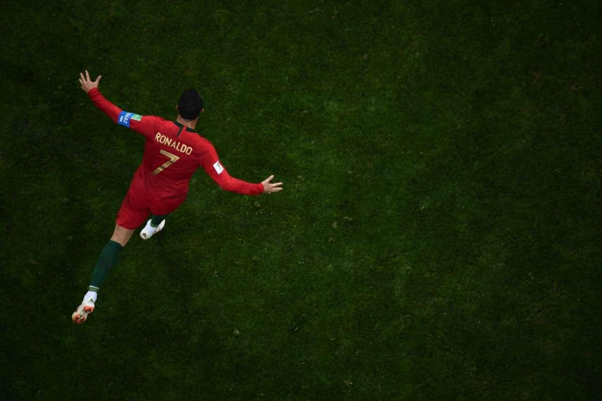 Tuổi tác không thể níu bước chân Ronaldo