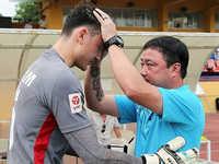HLV Trương Việt Hoàng đánh giá đầy bất ngờ về thủ môn Đặng Văn Lâm