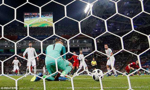 """Tây Ban Nha sợ """"lời nguyền"""" khi đối đầu với đội chủ nhà Nga"""